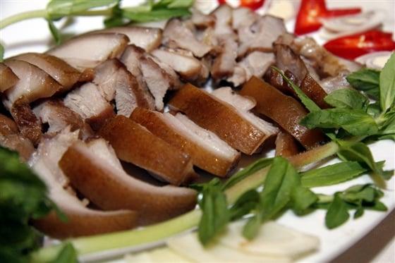 Cách hấp thịt lợn thơm ngon đơn giản ngay tại nhà