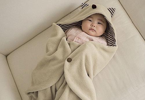 Vài lưu ý phải nhớ khi giữ ấm cho trẻ vào mùa đông
