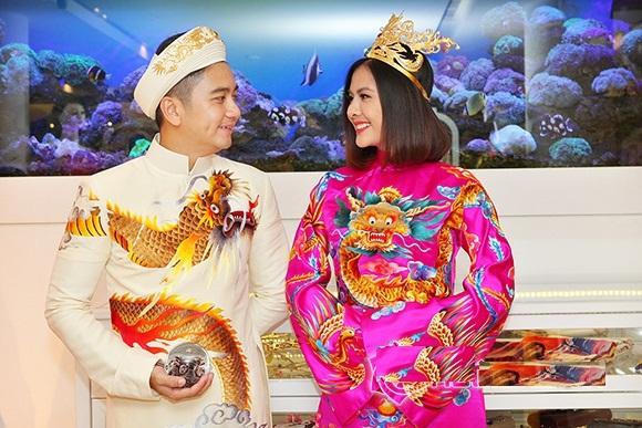 Bộ áo dài cưới cực chất của Vân Trang 2