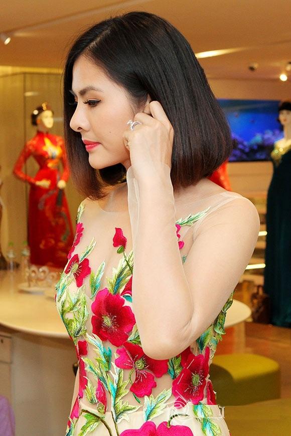 Bộ áo dài cưới cực chất của Vân Trang 5