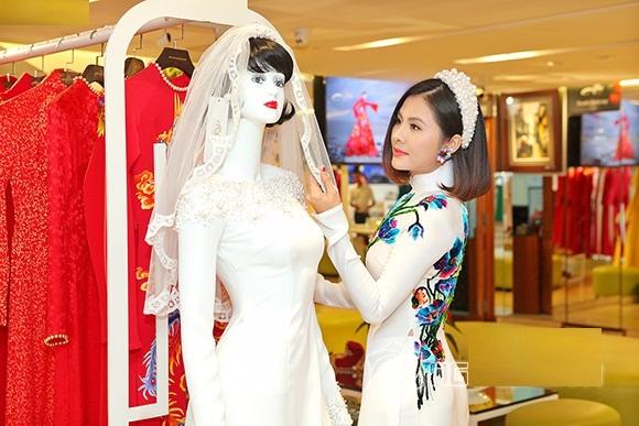 Bộ áo dài cưới cực chất của Vân Trang 7