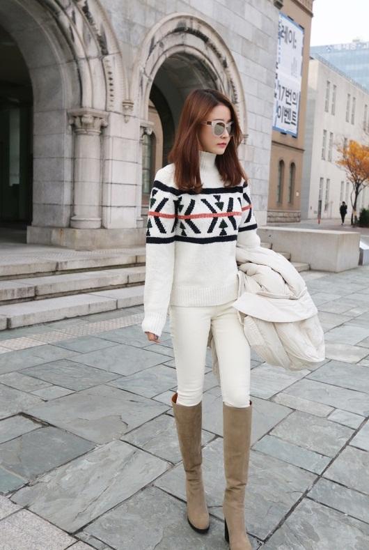 Bạn gái công sở đầu Xuân cùng áo len họa tiết 12