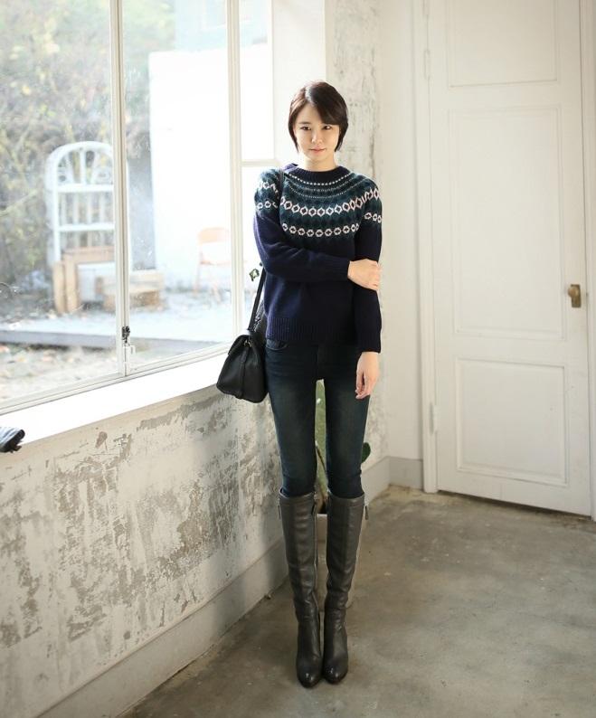 Bạn gái công sở đầu Xuân cùng áo len họa tiết 5