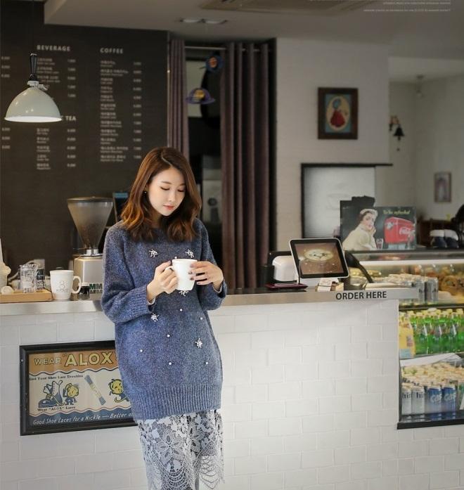Bạn gái công sở đầu Xuân cùng áo len họa tiết 6