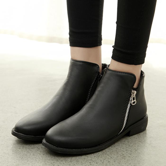 giày dép tuyệt đối không được đi vào trời mưa 4
