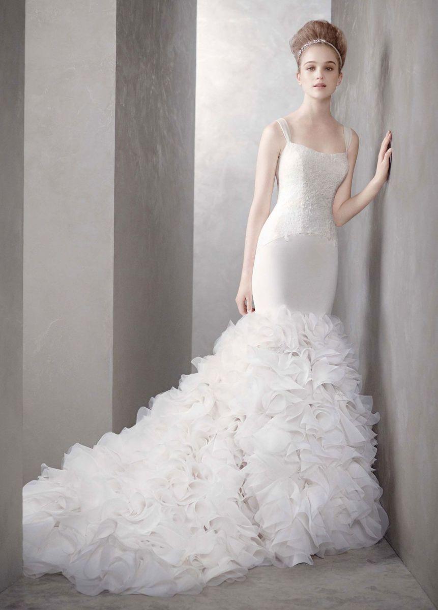 Mùa cưới với mẫu váy cưới 3D đang lộng hành 2