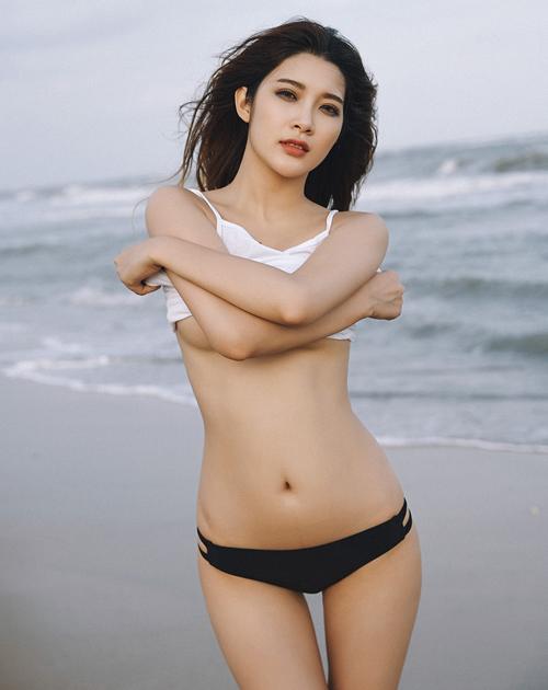 Gợi ý đồ đi biển đẹp cho cô nàng sexy 11