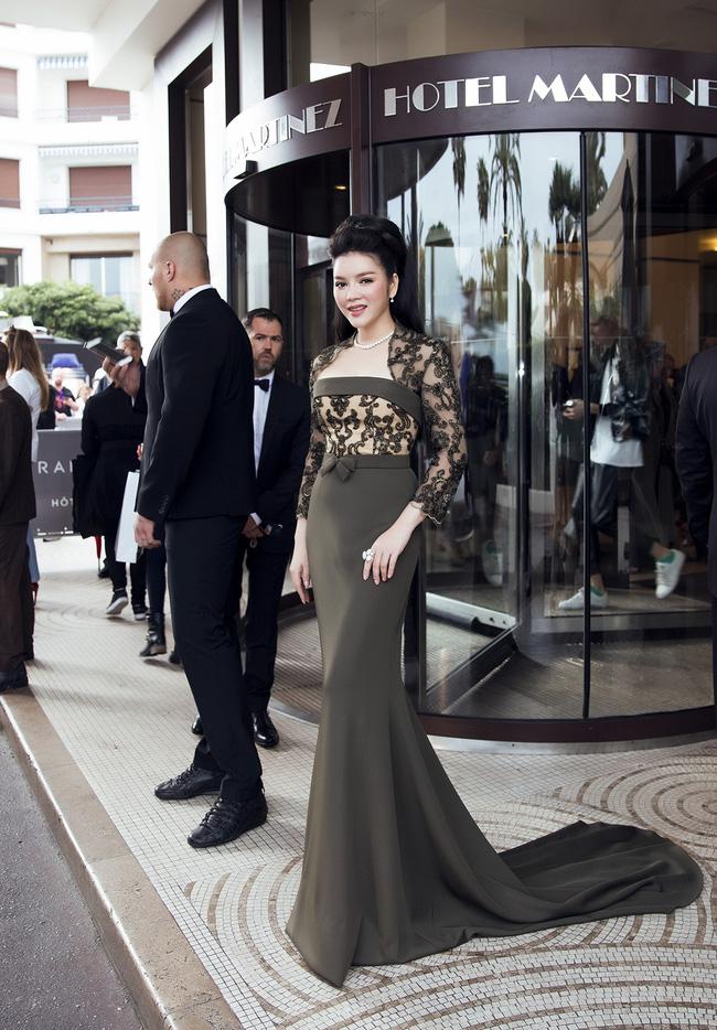 Choáng với hai bộ đầm hàng hiệu của Lý Nhã Kỳ tại Cannes 2