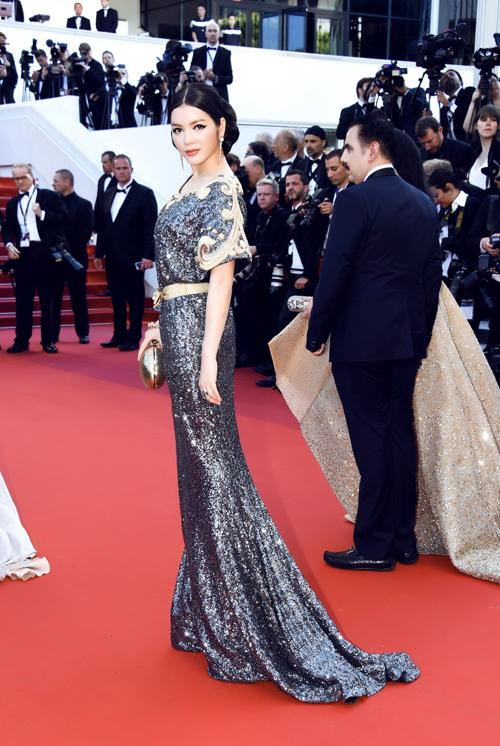 Choáng với hai bộ đầm hàng hiệu của Lý Nhã Kỳ tại Cannes 11