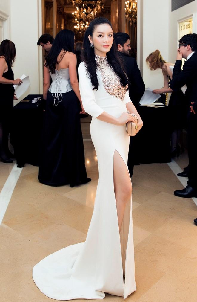 Angela Phương Trinh, Lý Nhã Kỳ mặc đẹp nhất tuần qua