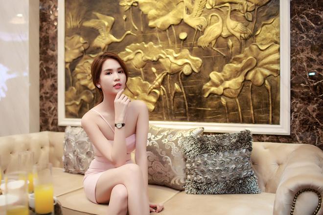 Ngọc Trinh diện hai phong cách thời trang trái ngược ở Bắc Ninh 6