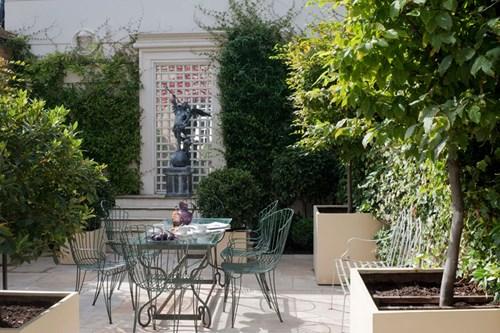 Phong thủy nhà ở: Trồng hoa và cây cảnh để hóa giải sát khí
