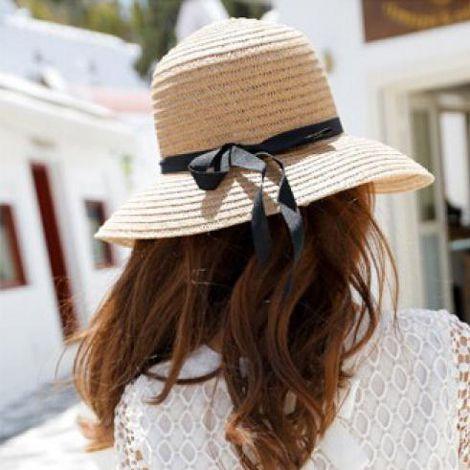 Chị em ăn gian tuổi với mũ cói cực xinh trong hè này