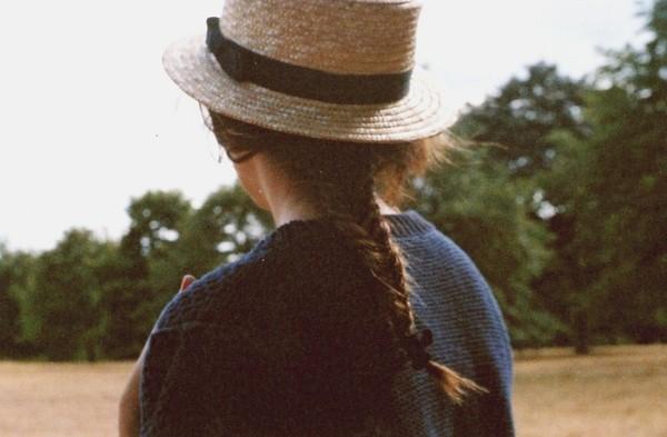 Chị em ăn gian tuổi với mũ cói cực xinh trong hè này 9