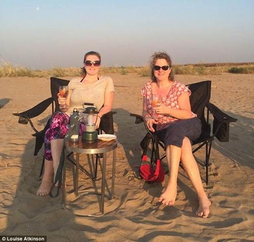 Trải nghiệm tuyệt vời của bà mẹ Tây khi du lịch bụi cùng con gái