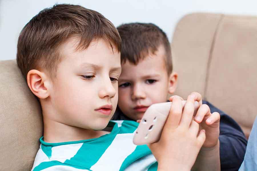 tác hại của smartphone đối với trẻ em