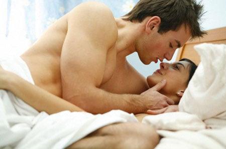 Chồng sẽ nhanh có bồ khi vợ làm điều này trên giường
